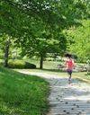 Une joggeuse de 23 ans poignardée par « un déséquilibré » dans le parc de Sevran