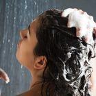 Un bon shampoing, en 4 étapes