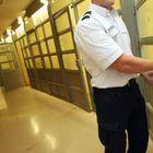 10 Ans De Prison Pour Le Policier Ayant Violé Une F...