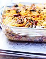 Gâteau de spaghettis, tomates et olives vertes