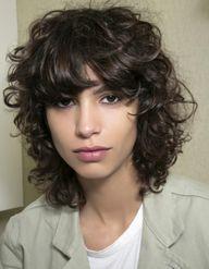 7 astuces pour soigner ses cheveux frisés