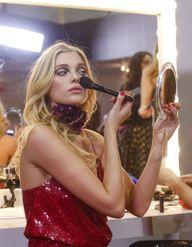 Retouche maquillage : 5 astuces pour rester fraîche