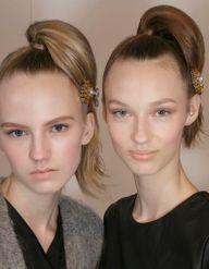 #TheNewUpdo : la coiffure bijou du défilé Prada fait des émules