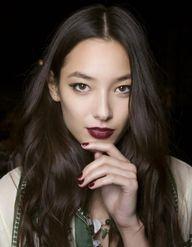 Le vamp stamp : l'outil magique pour réussir votre trait d'eyeliner
