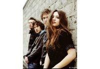 Izia : son single trop « rock » pour passer à la radio ?