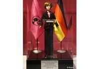 Angela Merkel : une poupée sexy à son effigie