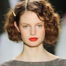 Cheveux Frisés : Nos Plus Jolies Idées Pour Les Coi...