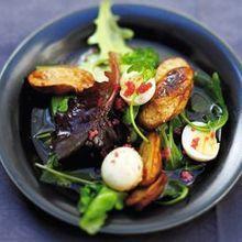 Salade Mélangée, Oeufs De Lump Et Oeufs De Caille