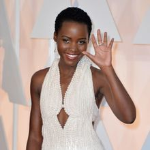 La Robe En Perles De Lupita Nyong'o A Été Restituée...