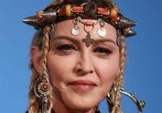 Madonna, Ariana Grande, Kylie Jenner… les cheveux à l'honneur des beauty looks des MTV VMA 2018