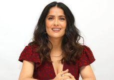 Cannes 2017 : découvrez les cheveux roses de Salma Hayek
