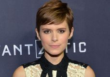 On craque pour le beauty look de Kate Mara
