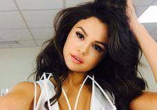 #Prêtàliker : Le premier tuto make-up vidéo de Selena Gomez