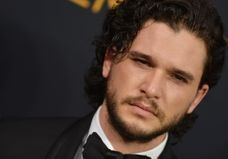 « Game of Thrones » : selon Sophie Turner, Jon Snow serait sexiste malgré lui