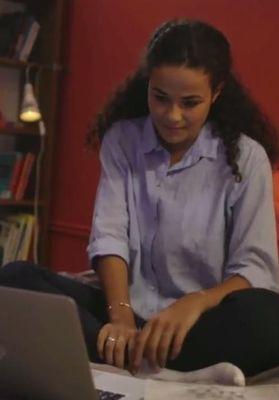 """22% des collégiennes ont été traitées de """"salope"""" sur Internet : le spot télé choc pour interpeller enfin sur le cybersexisme"""