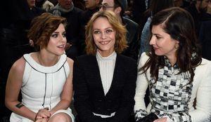 Kristen Stewart et Vanessa Paradis copinent au premier rang du défilé Chanel