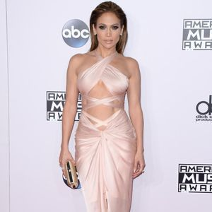 Des robes toujours plus sexy pour les American Music Awards 2014 !