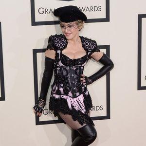 Grammy Awards : Madonna, Fesses À L'air Sur Tapis R...
