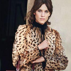 Longchamp Présente Son Sac Paris Premier Avec Alexa...