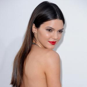 Kendall Jennerlargue Harry Styles Pour Le Mannequi...