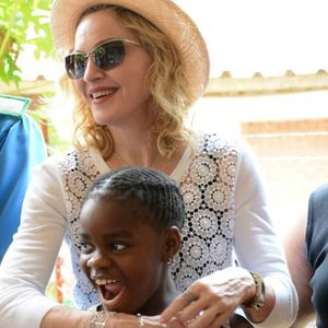 Madonna Lance Une Nouvelle Demande D'adoption Pour...
