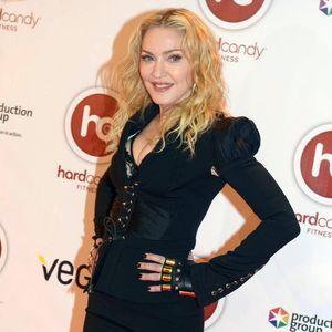 Madonna Met Ses Souvenirs Personnels Aux Enchères