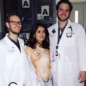 Pourquoi Salma Hayek Était-elle « Nue » À L'hôpital ?