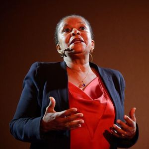 Christiane Taubira Et Camélia Jordana : « La Poésie...