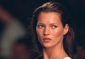 Avant / après : l'évolution beauté de Kate Moss