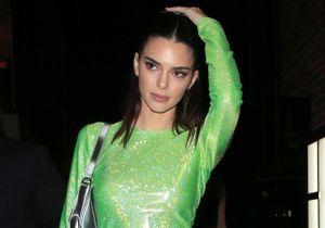 Kendall Jenner change de couleur de cheveux et adopte la coiffure qu'on verra partout cet hiver
