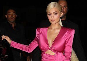 Kylie Jenner a mis 2 jours pour teindre la chevelure blonde affichée lors de ses 21 ans