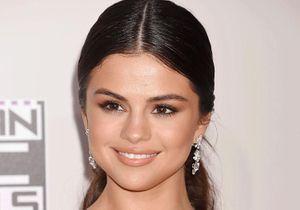 Selena Gomez a changé sa couleur de cheveux, et c'est pile dans la tendance !