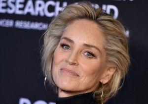 Sharon Stone troque ses cheveux lisses pour un carré bouclé tendance