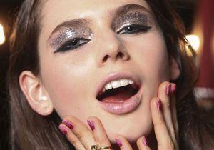 Comment faire un maquillage des yeux avec des paillettes