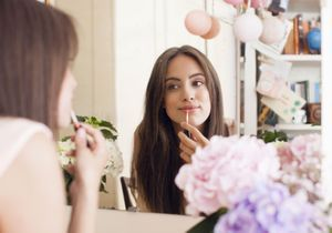 5 astuces make-up faciles qui changent tout