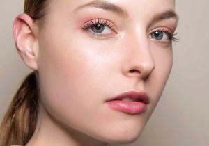 Voici deux astuces make-up à connaître si vous avez la peau grasse