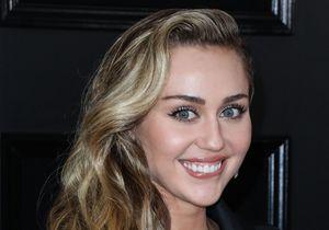 Miley Cyrus, nue elle dévoile son tatouage