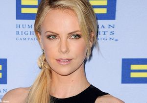 On veut toutes le beauty look de Charlize Theron