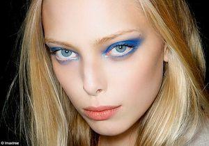 On veut toutes du make-up bleu encre