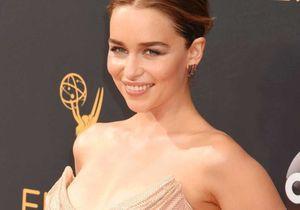 Emilia Clarke : « Je suis loin de ressembler à Khaleesi (…) ce n'est pas humain d'être aussi belle »