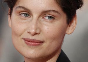 Incroyable : Laetitia Casta abandonne sa belle chevelure !