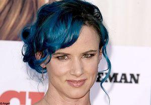 Juliette Lewis se met au bleu