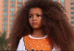 Ce petit garçon affole la Toile avec sa chevelure la plus spectaculaire au monde