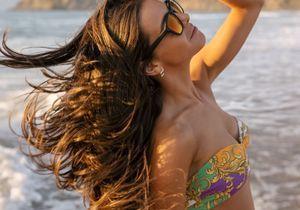 Cette blogueuse (qui a un sacré budget beauté) rince ses cheveux au champagne et le résultat est impressionnant
