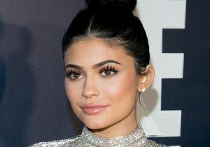 Kylie Jenner fait (encore) polémique avec sa nouvelle gamme de blushs