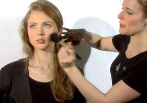 [VIDEO] Affiner son visage avec le blush