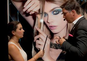 Yves Saint Laurent Beauté nous maquille avec des Google Glass !