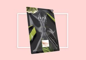 C'est cadeau ! Cette semaine, votre magazine ELLE vous offre un Masque « chaussettes » Ultra-Hydratant pour les Pieds OPI