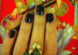 On aime : le vernis 601 Mysterious de Chanel