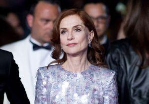 Cannes 2019 : Isabelle Huppert tout en paillettes pour la montée des marches de « Frankie »